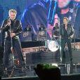 Les copains Eddy Mitchell, Johnny Hallyday et Jacques Dutronc - Premier concert des Vieilles Canailles au Palais Ominisports de Paris Bercy, le 5 novembre 2014.