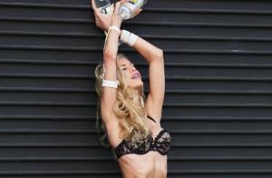 Kat Torres : La Brésilienne, en lingerie, enchaîne les poses qui donnent soif