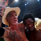 Mickey Rourke vainqueur par KO : Un SDF payé pour se coucher pour adversaire...