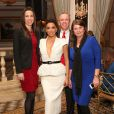 Eva Longoria assiste au dîner L'Oréal Paris Women of Worth au Pierre Hotel. New York, le 2 décembre 2014.