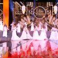 Les 33 Miss ouvrent la soirée, lors de la cérémonie de Miss France 2015 sur TF1, le samedi 6 décembre 2014.