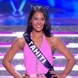 Miss Tahiti défile en maillot de bain, lors de la cérémonie de Miss France 2015 sur TF1, le samedi 6 décembre 2014.