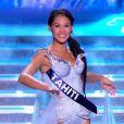 Miss Tahiti défile dans l'univers de la Reine des Neiges, lors de la cérémonie de Miss France 2015 sur TF1, le samedi 6 décembre 2014.