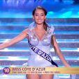 Miss Côte d'Azur défile dans l'univers de la Reine des Neiges, lors de la cérémonie de Miss France 2015 sur TF1, le samedi 6 décembre 2014.