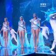 Les 5 Miss finalistes défilent dans l'univers de la Reine des Neiges, lors de la cérémonie de Miss France 2015 sur TF1, le samedi 6 décembre 2014.