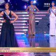 Miss Aquitaine défile lors de la cérémonie de Miss France 2015 sur TF1, le samedi 6 décembre 2014.
