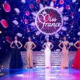 défile lors de la cérémonie de Miss France 2015 sur TF1, le samedi 6 décembre 2014.