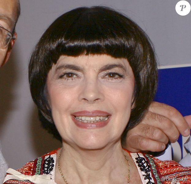 Archive - Portrait de Mireille Mathieu réalisé en 2012.
