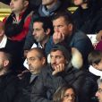 Le prince Albert II de Monaco était au stade Louis-II le dimanche 14 décembre 2014 pour le choc de Ligue 1 entre l'ASM et l'OM. Papa des jumeaux Jacques et Gabriella, dont son épouse Charlene a accouché le 10 décembre, il a pu chaleureusement saluer des légendes de l'AS Monaco, comme Fabien Barthez, Lilian Thuram, Ludovic Giuly, Manuel Amoros ou encore Marco Simone, venus fêter les 90 ans du club.