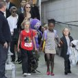 Angelina Jolie avec ses six enfants Maddox, Zahara, Pax, Shiloh, Knox & Vivienne à Sydney, le 5 septembre 2013.