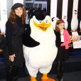 """Brooke Shields et sa fille Rowan pour la Première du film """"Penguins of Madagascar"""" à New York le 16 octobre 2014."""