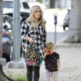 Hilary Duff est allée chercher son fils Luca à son atelier d'éveil à West Hollywood, le 24 décembre 2014.