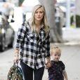 Hilary Duff est allée chercher son fils Luca à son atelier d'éveil à West Hollywood, le 24 décembre 2014. Hilary Duff et son fils ont ensuite retrouvé Mike Comrie, son mari dont elle est séparée.