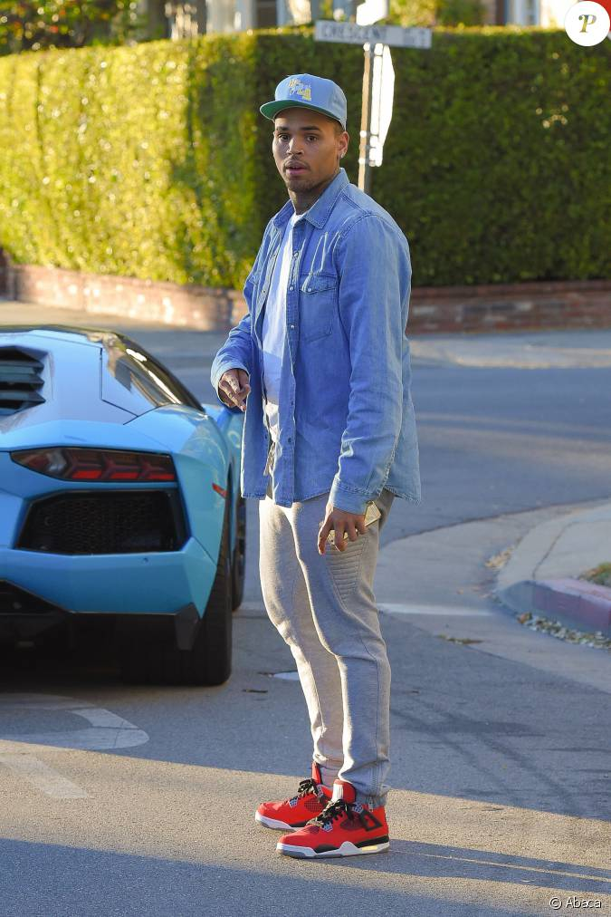 Chris Brown et Karrueche Tran à Beverly Hills, Los Angeles, le 26 décembre 20...