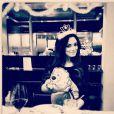 Emilie Nef Naf : La ravissante jeune maman cache le visage de son petit dernier, Menzo