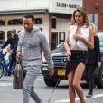 John Legend et Chrissy Teigen lors d'une séance photo dans les rues de New York, le 1er décembre 2014