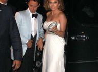 REPORTAGE PHOTOS : Et hop ! Jennifer Lopez passe du jogging à la robe de bal...