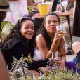 Semi-Exclusif - Rihanna fait la fête à Shell Beach avec des amis à Saint-Barthélémy le 1 er janvier 2015