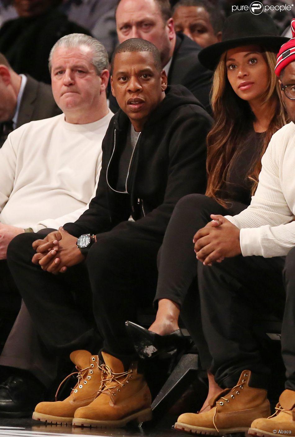 Jay-Z et Beyoncé lors du match entre les Houston Rockets et les Brooklyn Nets au Barclays Center de Brooklyn, le 12 janvier 2015