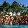 Toutes les prétendantes à l'élection Miss Univers, toutes en maillot de bain Yamamay pendant le défilé en bikini, pour l'élection Miss Univers, à piscine du Trump National, à Miami, le 14 janvier 2015