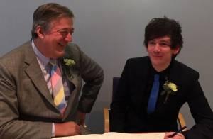 Stephen Fry : L'acteur de 57 ans a épousé son chéri de 27 ans !