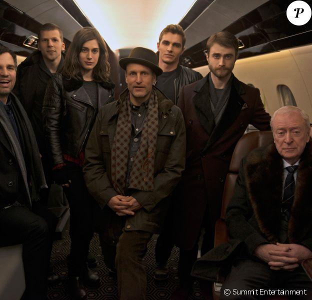La première image du casting d'Insaisissables 2, avec notamment Lizzy Caplan et Daniel Radcliffe.