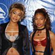 """Rozonda """"Chilli"""" Thomas et Rozonda """"Chilli"""" Thomas des TLC le 23 février 2003 aux Grammy Awards à New Yorks"""