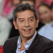 Michel Cymès : Son amie Marina Carrère d'Encausse lui fait honneur sur le canapé