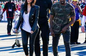 Kanye West : Sinistre au côté de Kim Kardashian pour le Super Bowl XLIX