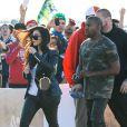 Kim Kardashian et Kanye West lors de leur arrivée au Phoenix Stadium de Glendale le 1er février 2015