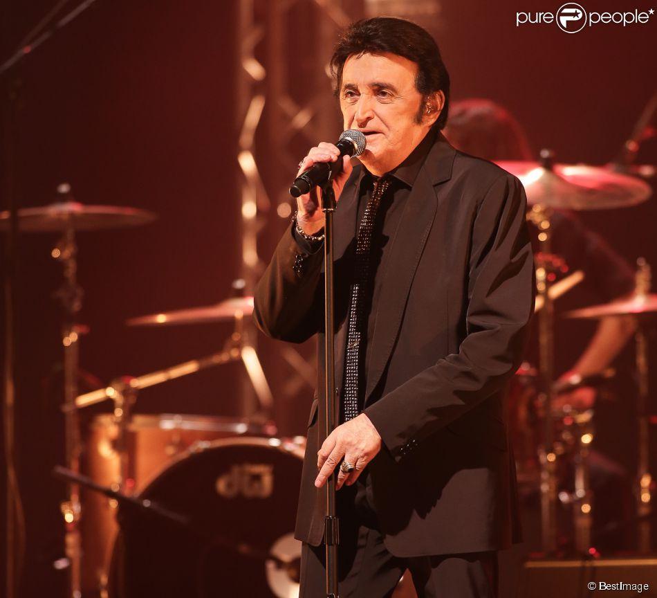 Dick Rivers en concert à Lille, le 25 mai 2013.