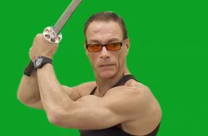 Jean-Claude Van Damme se lâche : La star donne ses plus beaux coups à ses fans