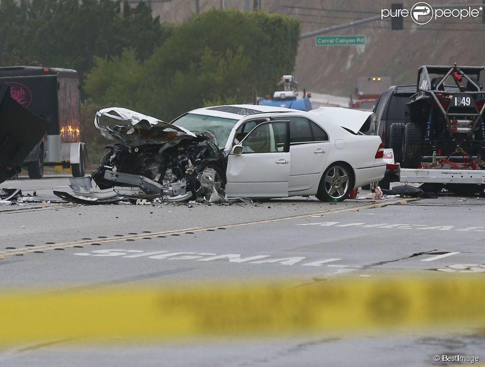 photo de l 39 accident de voiture dans lequel tait impliqu bruce jenner malibu le 7 f vrier. Black Bedroom Furniture Sets. Home Design Ideas