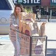 Exclusif - Drew Barrymore fait des courses avec sa fille Olive à Los Angeles, le 14 janvier 2015.