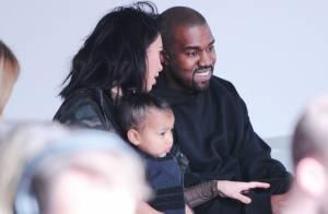 Fashion Week : Kim Kardashian et North applaudissent Kanye West et Kylie Jenner