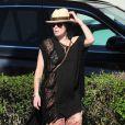 Lena Headey, enceinte, dans les rues de Santa Monica avec une amie, le 14 février 2015.