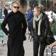 Melanie Griffith et sa fille Stella Banderas font du shopping à Aspen, le 23 décembre 2014