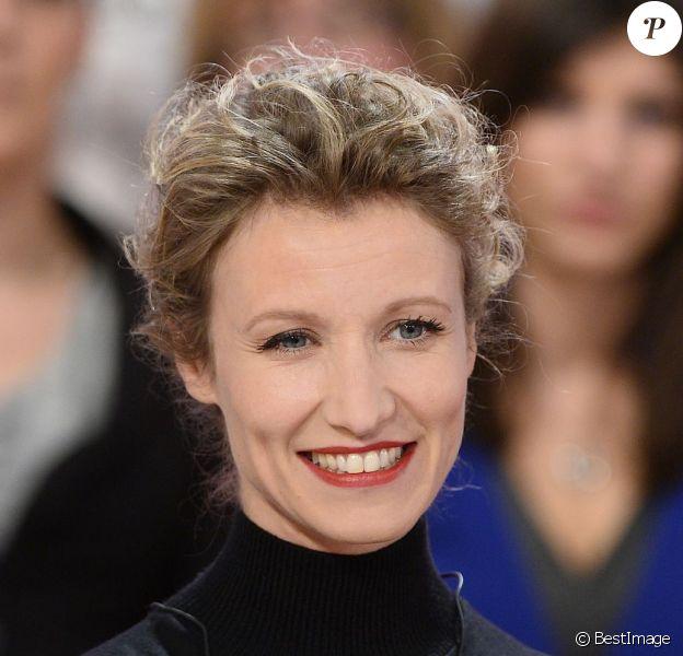 """Alexandra Lamy - Enregistrement de l'émission """"Vivement Dimanche"""" à Paris le 11 Fevrier 2015."""