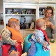 Sur sa page Instagram, Elsa Pataky a ajouté une photo d'elle avec ses jumeaux le 19 février 2015