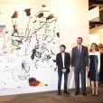 Le roi Felipe VI et la reine Letizia d'Espagne inauguraient la 34e édition du Salon international d'art conptemporain de Madrid, ARCOmadrid, le 26 février 2015.