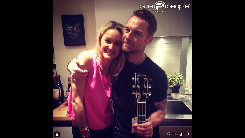 Ronan Keating a ajouté une photo à son compte Instagram pour remercier sa compagne Storm Uecthtritz pour la remercier d'avoir organisé son anniversaire surprise, le 2 mars 2015