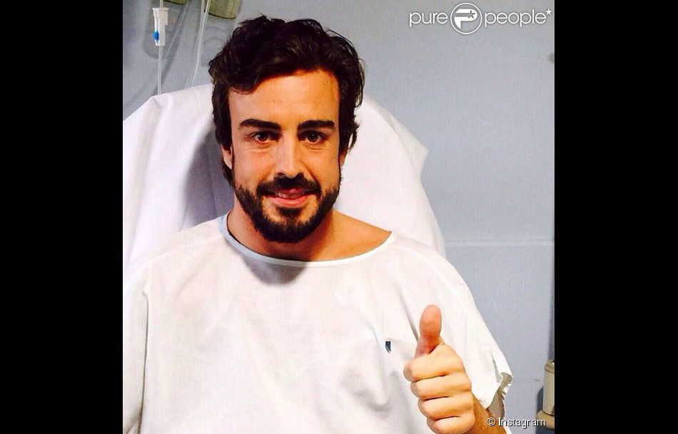 Fernando Alonso à l'hôpital après son accident lors de la séance des essais d'avant-saison près de Barcelone, dimanche 22 février 2015.