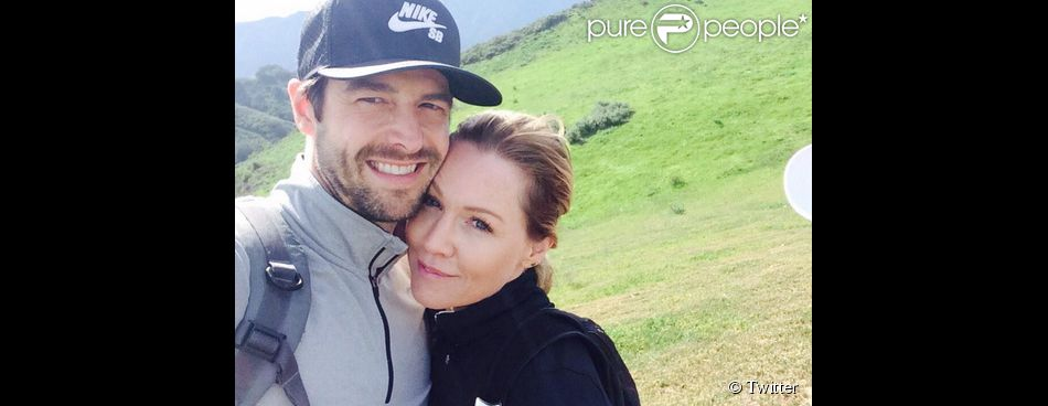 David Abrams a ajouté un selfie en compagnie de son amoureuse Jennie Garth, sur Twitter le 28 février 2015