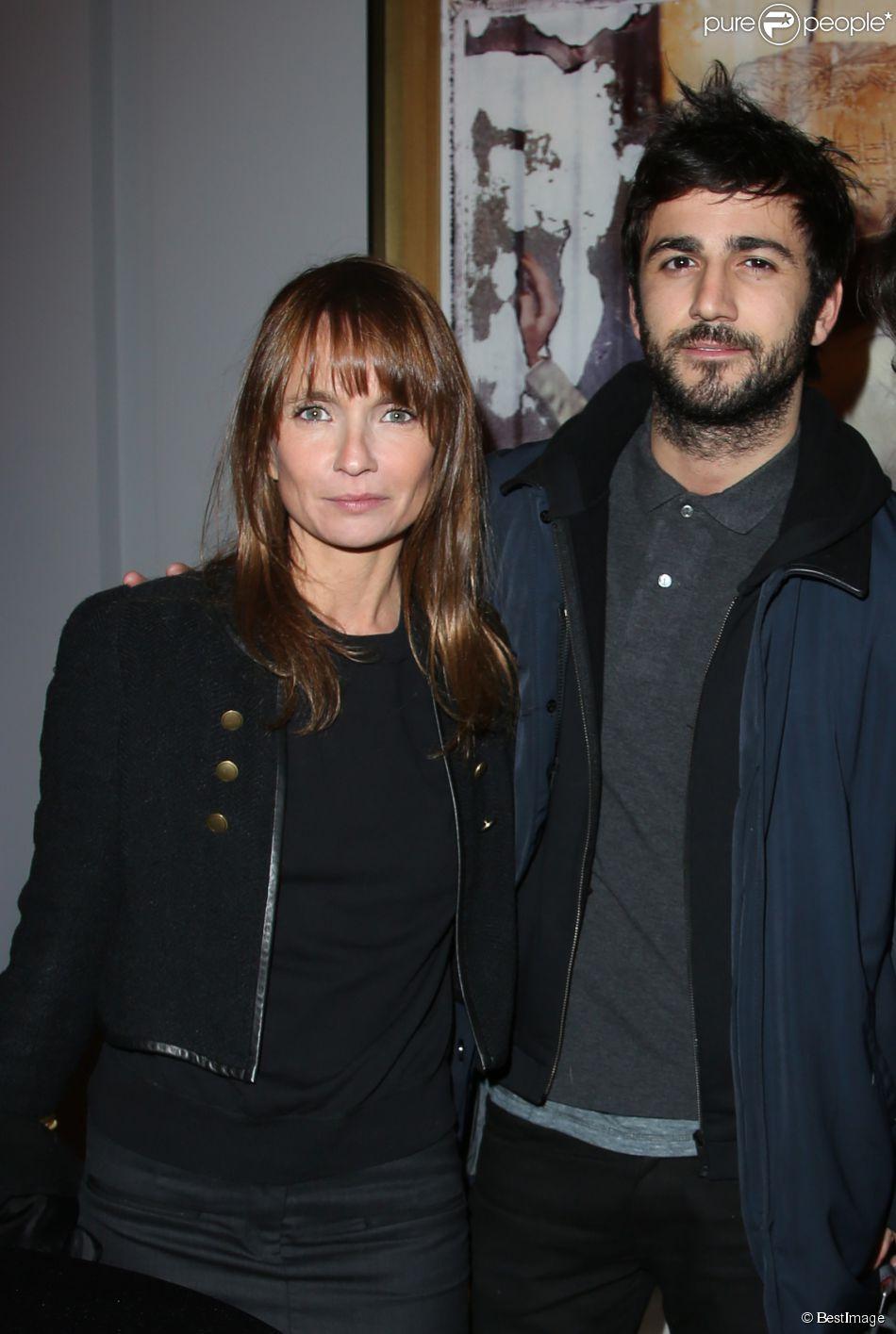 """Axelle Laffont et son compagnon Cyril Paglino à l'inauguration de l'hôtel """"Sofitel Paris le Faubourg"""" à Paris le 5 mars 2015."""