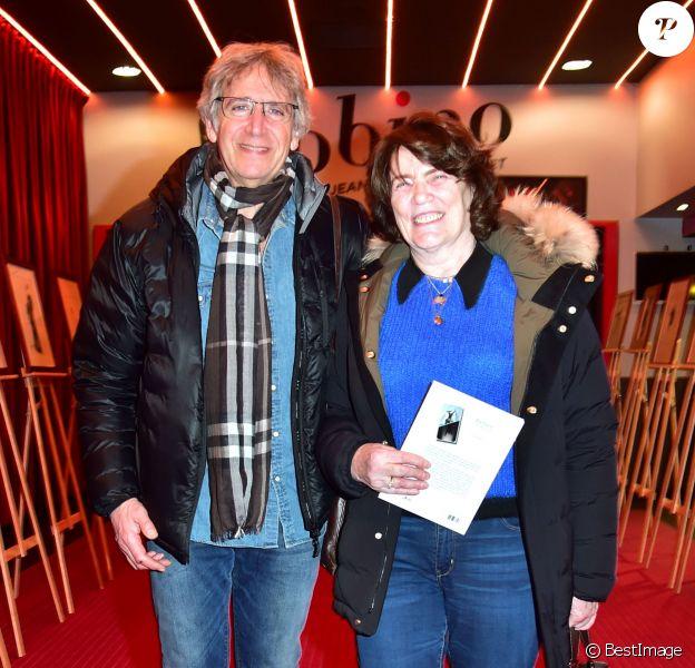 Exclusif - Yves Duteil et sa femme Noëlle au vernissage de l'exposition Barbara, Trait Pour Trait, du dessinateur Guy Papin au Théâtre Bobino à Paris le 2 mars 2015.