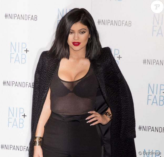Kylie Jenner assiste au lancement Nip+Fab à Londres Le 13 mars 2015
