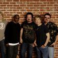 Toto a eu la douleur d'annoncer la mort de son ancien bassiste Mike Porcaro, survenue le 15 mars 2015. Atteint de la maladie de Charcot, il avait 59 ans.