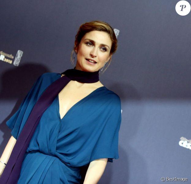 Julie Gayet - Photocall de la 40ème cérémonie des César au théâtre du Châtelet à Paris. Le 20 février 2015