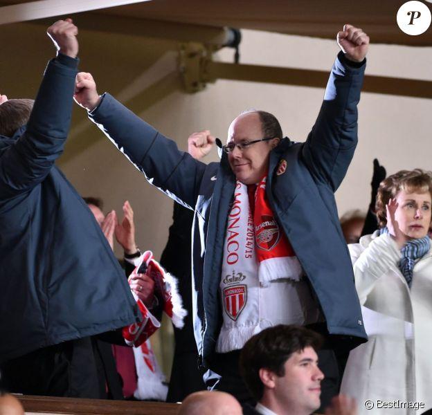 Le prince Albert II de Monaco a pu fêter avec le président de l'AS Monaco Dmitri Rybolovlev la qualification du club pour les quarts de finale de la Ligue des Champions le 17 mars 2015 au terme du huitième de finale retour contre Arsenal, en principauté.