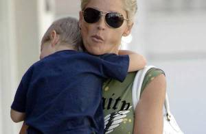 PHOTOS EXCLUSIVES : Sharon Stone, tendre balade avec son fils...